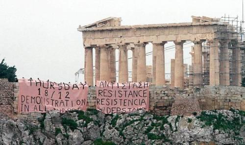 greece-unrest_acrop_923287x