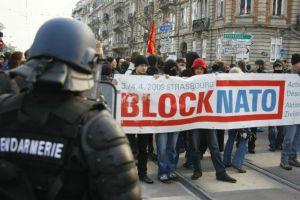 FRANCE_NATO_PROTEST_142802f